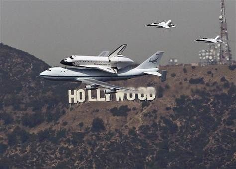 Endeavour over Hollywood -