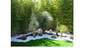 Resultado De Imagen Para Decoraciones De Jardines Con Troncos Jardines Rusticos Decoraciones De Jardin Jardines