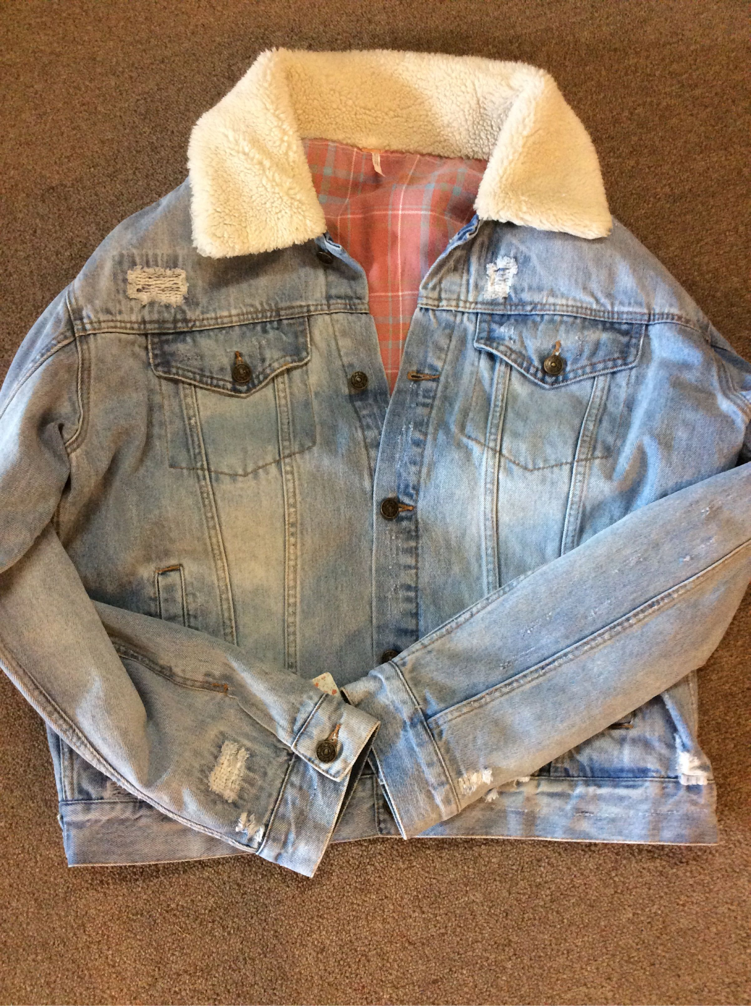 This Fp Jean Jacket Just Arrived It S A Must Flannel Inside And A Fury Collar To Keep You Warm Jean Jacket Jackets Denim Jacket [ 3214 x 2400 Pixel ]