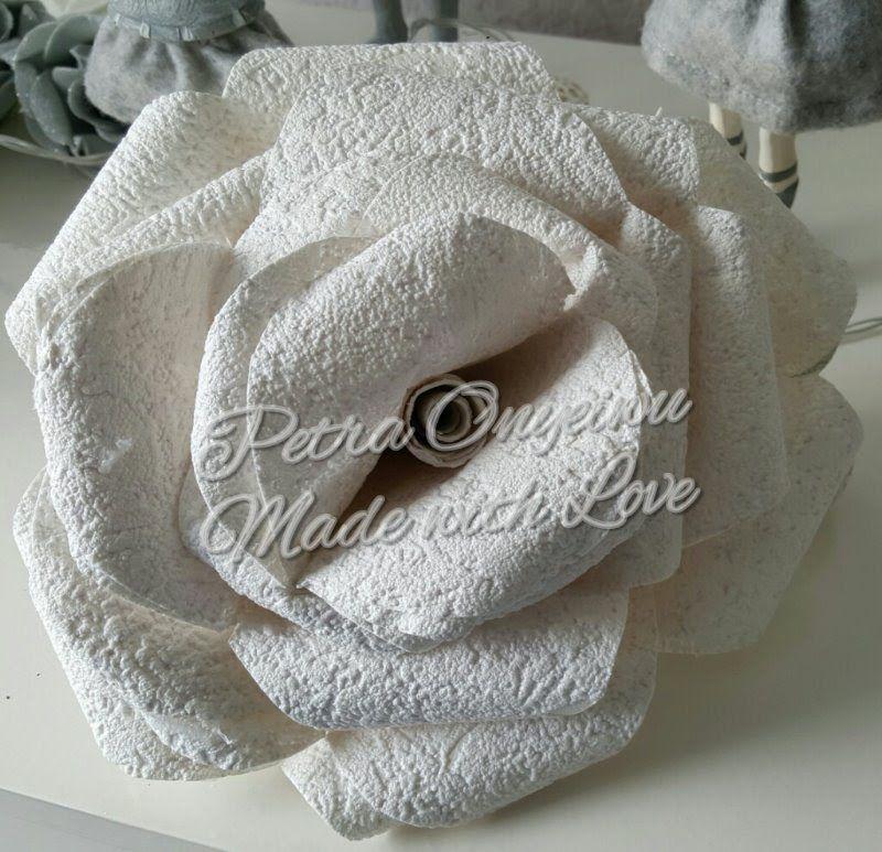 xxl rose aus tapete basteln videos rosen basteln. Black Bedroom Furniture Sets. Home Design Ideas