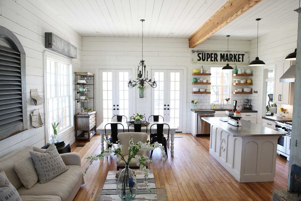 Take A Tour Of Chip And Joanna Gaines S Shiplap Filled Farmhouse Farm House Living Room Home Farmhouse Living
