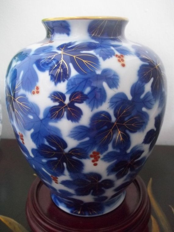 Fukagawa Vase Grape Leaves Fruit Fukagawa Blue Cobalt Blue And