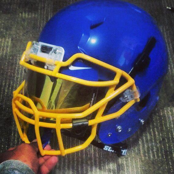 SHOC Gold insert in a Nike Visor installed into a Schutt Vengeance Football  Helmet  footballvisor  visor  footballhelmet  SHOCvisor www.SHOCvisor.com ⚡️ d0a5f31025f