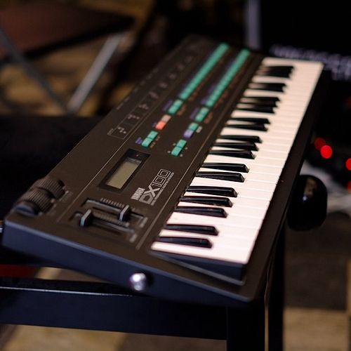 yamaha dx100 synths and keys music keyboard music instruments. Black Bedroom Furniture Sets. Home Design Ideas