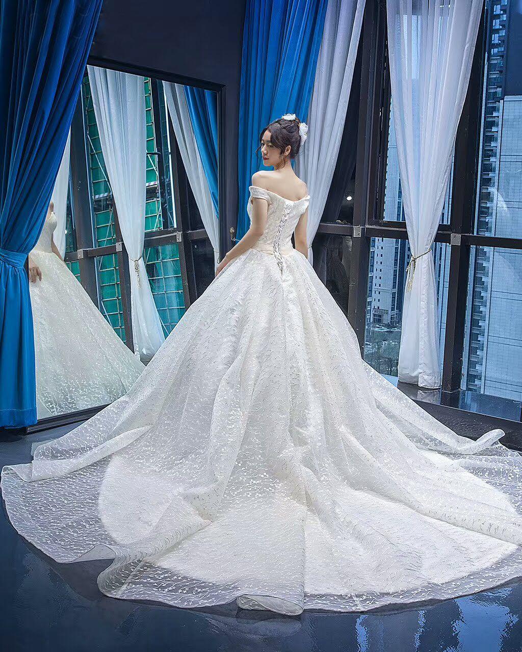 XP BRIDAL WEDDING DRESS WHOLESALLER -- Instagram @xpbridal_id