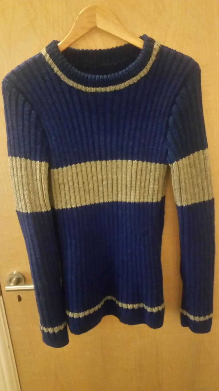 Harry Potter Quidditch Sweater in 2020   Harry potter knit ...