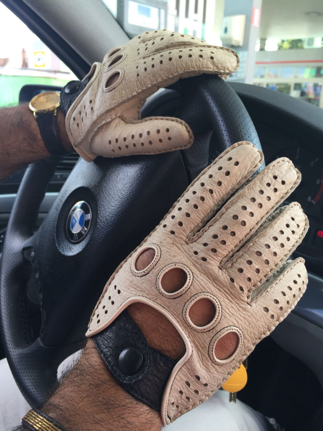 7314cd833c919 Pin by john on driving gloves | Mens gloves, Leather gloves, Driving ...