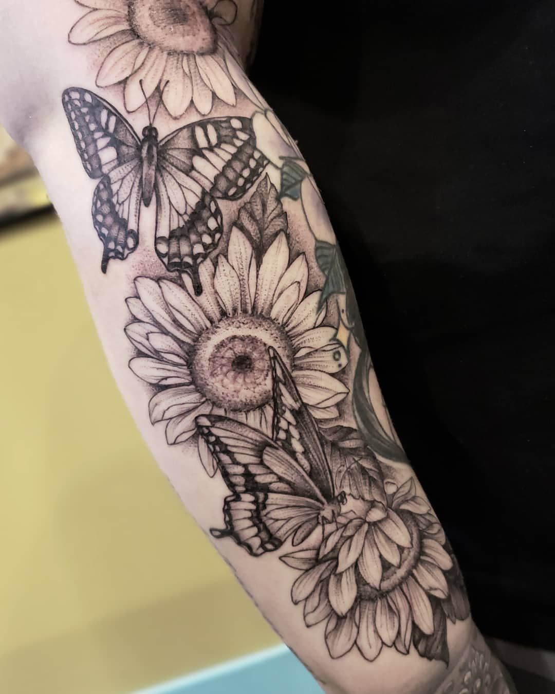 Pin On Piercings Tattoos