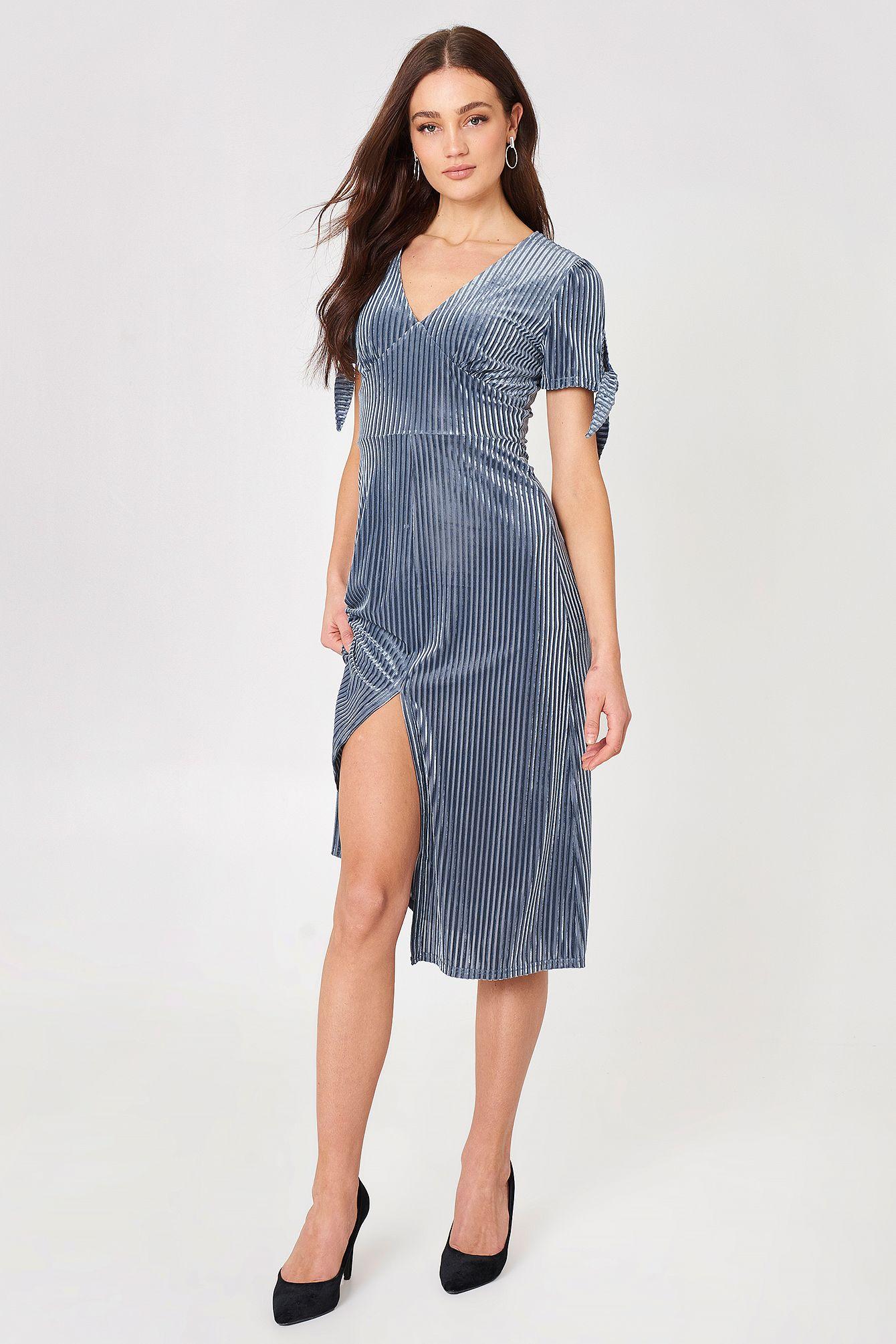 [+] Joa Dresses