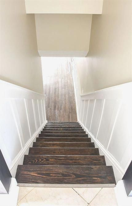 Do It Yourself: Beautiful Staircase Board and Batten