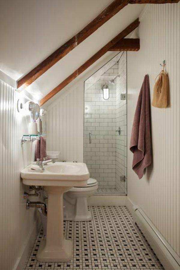 petite salle de bain sous le toit voir carrelage