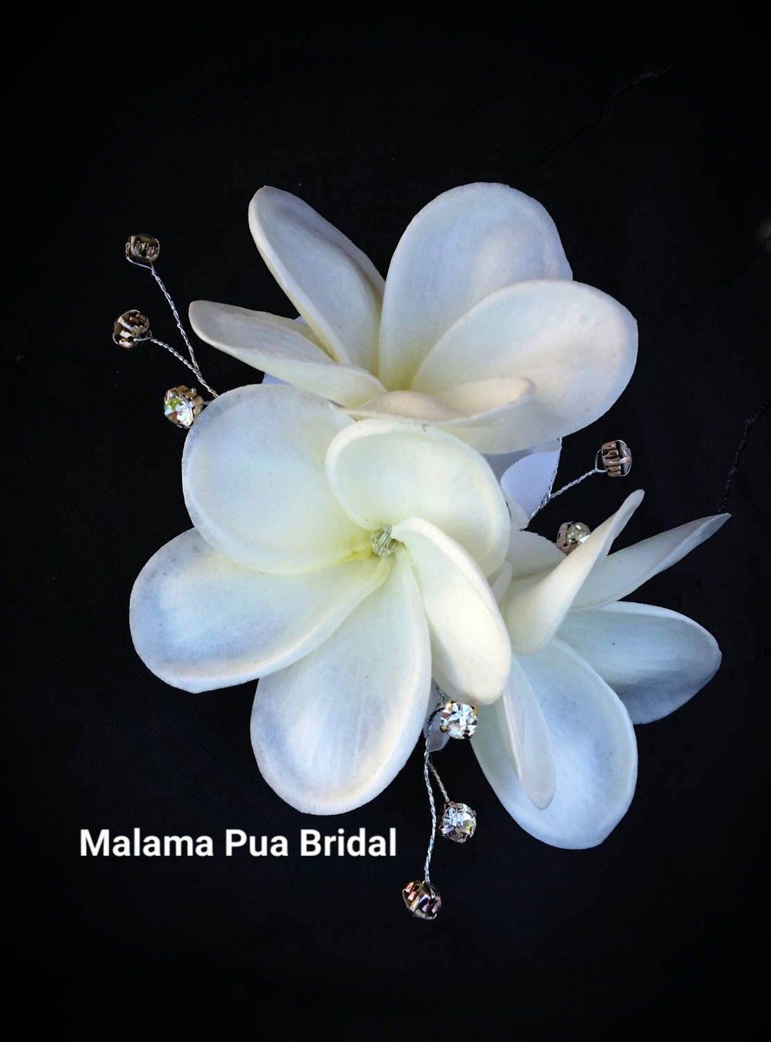 Plumeria Hair Flower Hawaiian Hair Accessory Silk Hair Etsy In 2020 Flower Headpiece Wedding Hair Accessories Beach Wedding