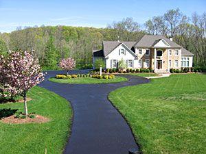 Long Driveway Circle Driveway Landscaping Circle Driveway Driveway Design