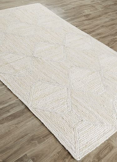 This Natural Fiber Rug In 100 Percent Jute Leaves No Question That Diamonds Are A Casual E S Best Friend
