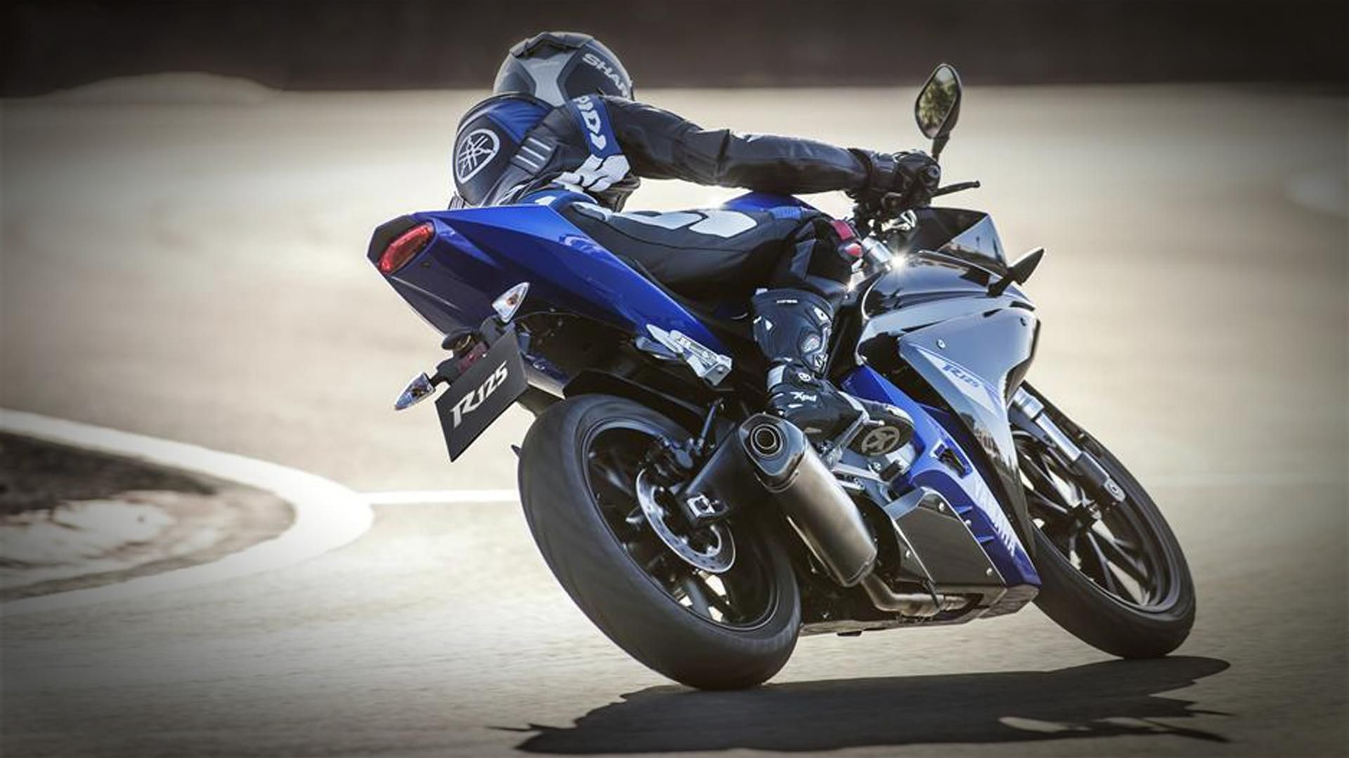 Yamaha yzf r125 usata moto usate 2016 car release date - Yamaha Yzf R125 Motorcycle Coloring Page Print Now Pinterest Yamaha Yzf Yamaha Motor And Cars