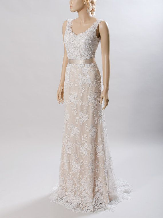 Lace wedding dress, bridal gown, sleeveless V-back mermaid dress ...
