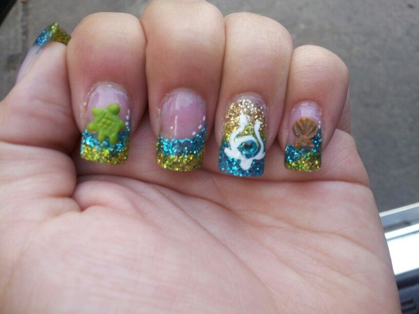 Acrylic nails. Blue and green glitter. blue and green nails acrylic ...