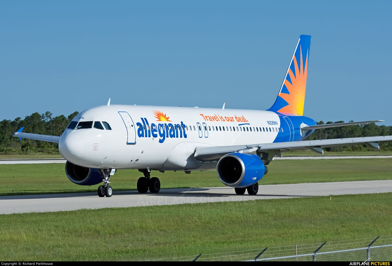 Ca… Allegiant, Allegiant air, Airline check in