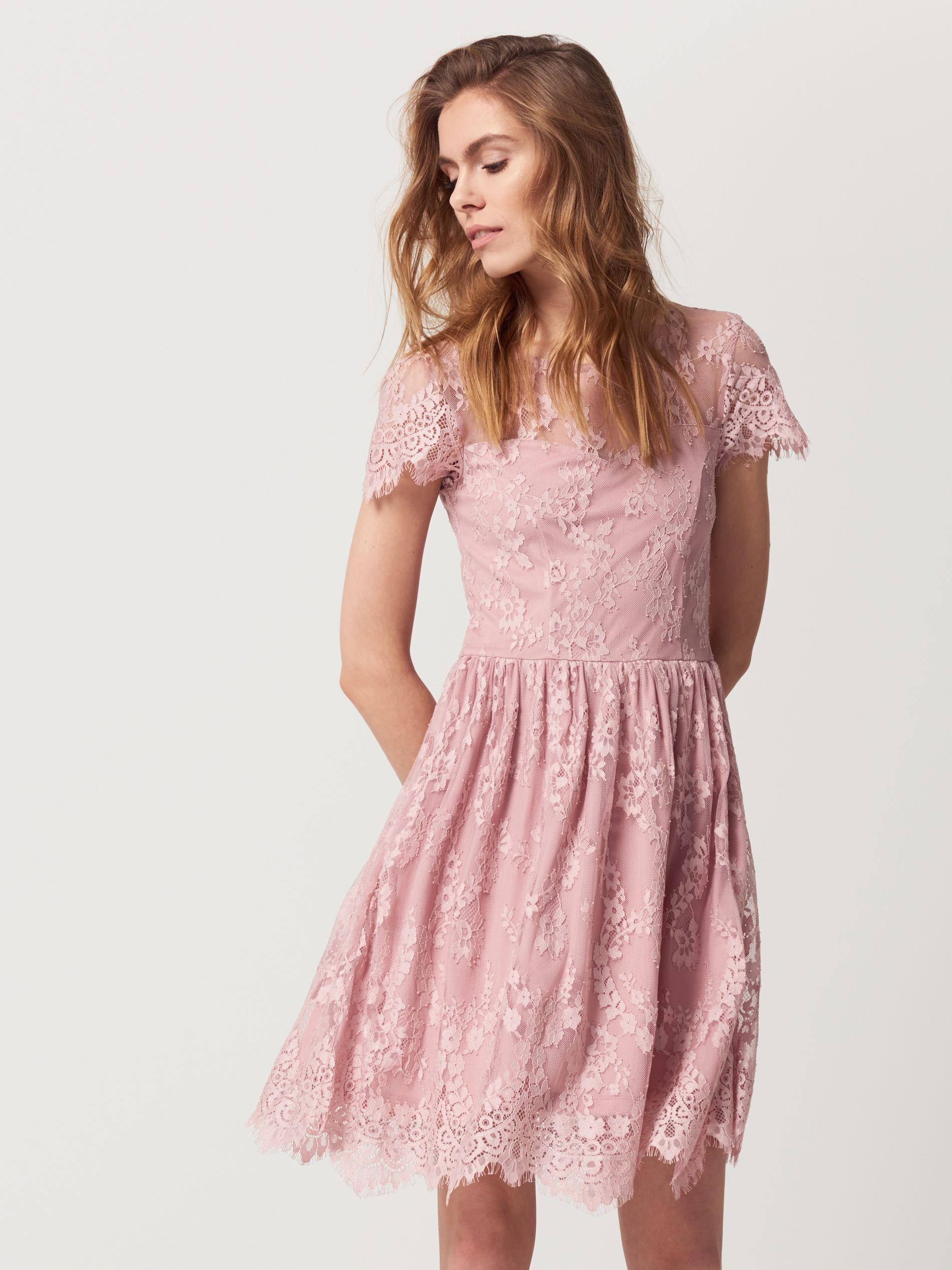 a0d1fb6d74 Koronkowa sukienka z wycięciem na plecach