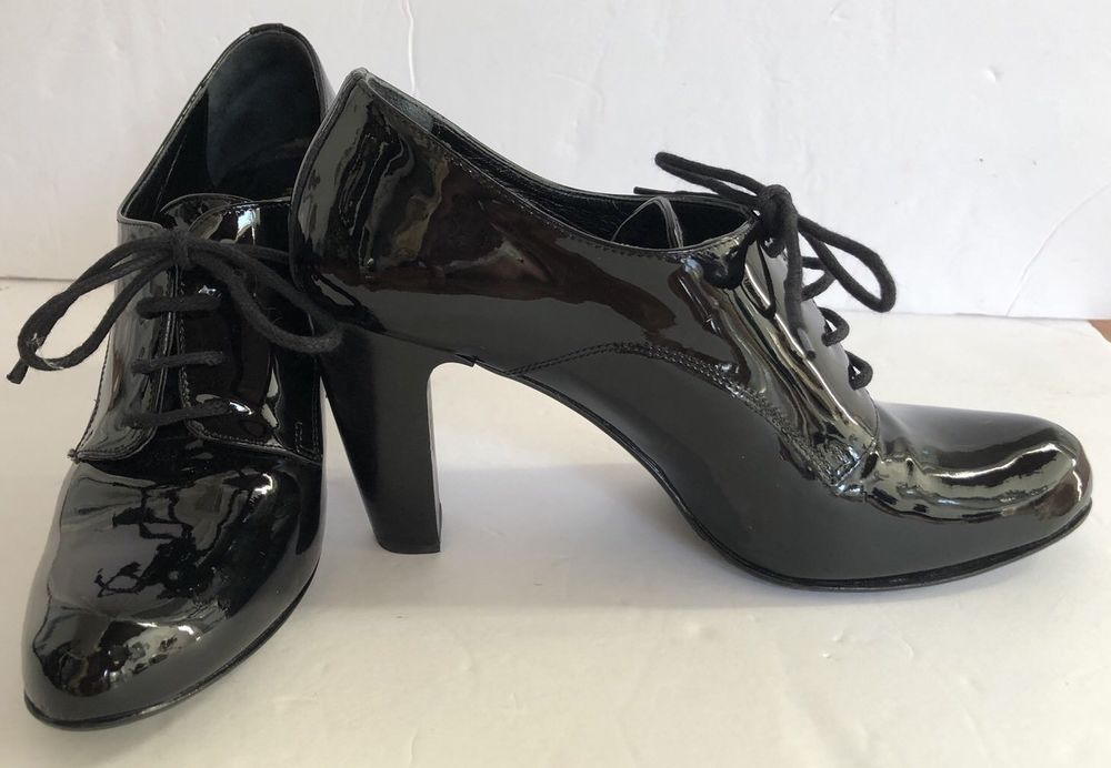 Russell Bromley London Woman Black Lace