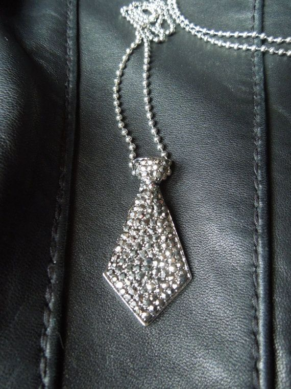 I know I had a thing for mens ties for a reason -50 Shades of Grey-esque necklace .. WANT! Fifty Shades of Grey - E L James