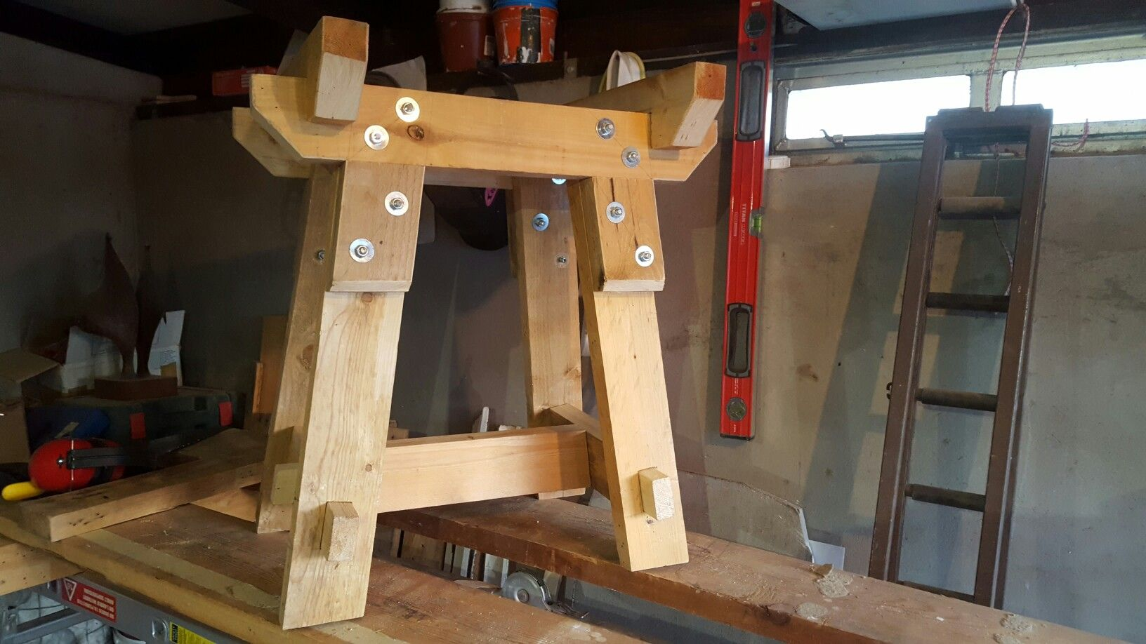 My latest project. An anvil stand made using pallet wood using ...