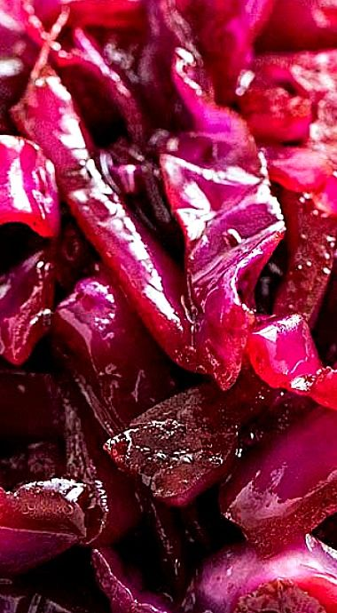 Sweet and Sour German Red Cabbage