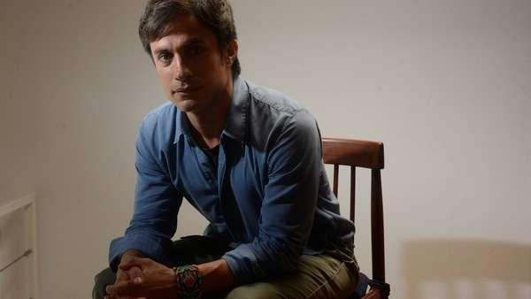 """Gael García Bernal: """"Creo que a Neruda le hubiera encantado esta película""""  """"Un amigo argentino una vez me dijo ¿qué se siente ser como Chespirito?"""" Y sí: salvando las distancias, Gael García Bernal es el actor mexica... http://sientemendoza.com/2017/02/07/gael-garcia-bernal-creo-que-a-neruda-le-hubiera-encantado-esta-pelicula/"""