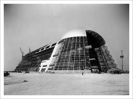 Construction of hangar one at nasa sunnyvale circa 1931 1934 m moire chantiers ann es 30 - Film porte avion voyage dans le temps ...