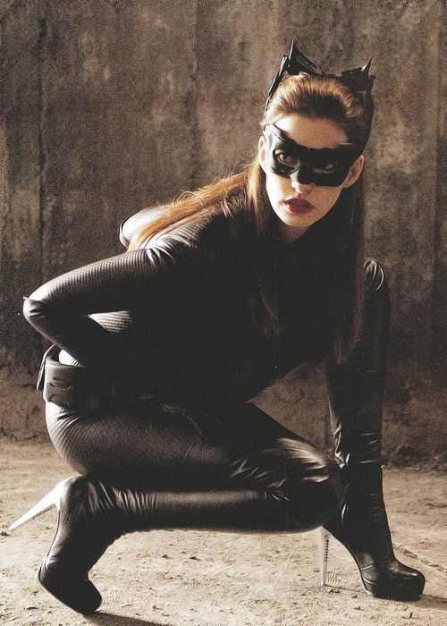 The Dark Knight Rises Scrapbook Reveals New Photos Of Catwoman