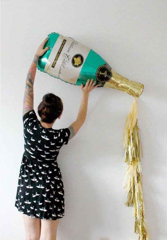 Champagne Bottle Balloon Tassel Kit - New Years Eve 2019 Gold Decor