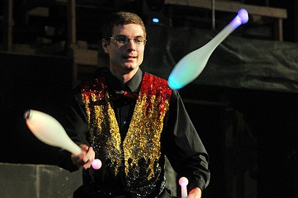 Juggling can slow down the effects of aging? Who knew? (Photo: Torin Halsey / AP)