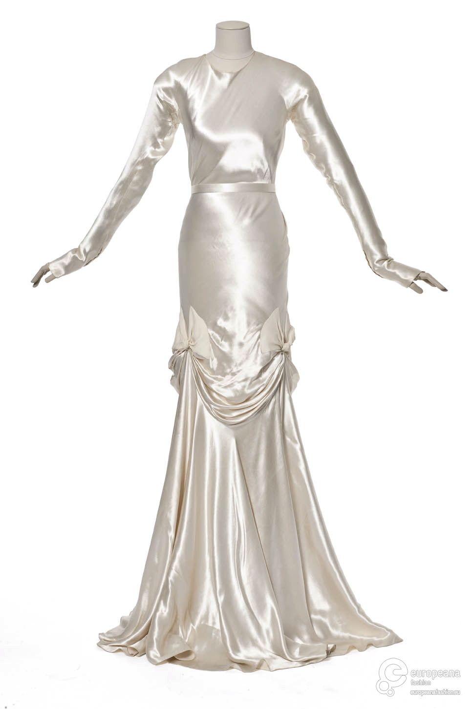 Wedding dress, Madeleine Vionnet, 1939. Les Arts Decoratifs.   A ...