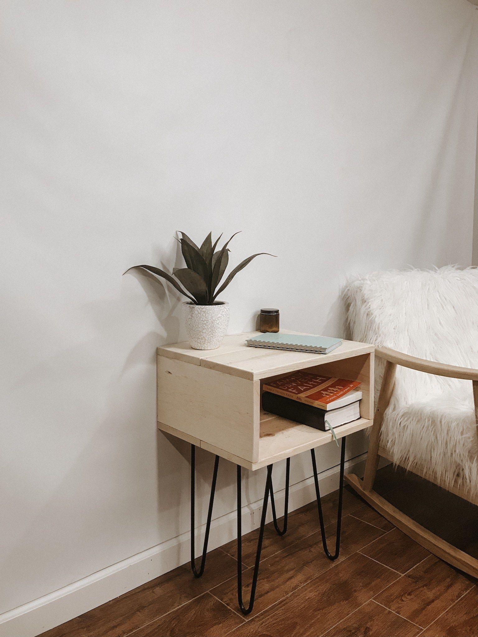 Best How To Make Simple And Modern Nightstands Modern 400 x 300