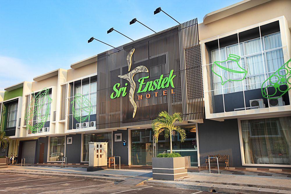 Sri Enstek Hotel - Your Cultural stay~  Malaysia - KLIA-KLIA2 Airport transit hotel.      Hotel Reservation :  +606 7947662/+6017- 3236686