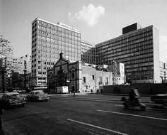 Centro Inmobiliario América, frente a la Alameda Central de la Ciudad de México. Ca. 1952.