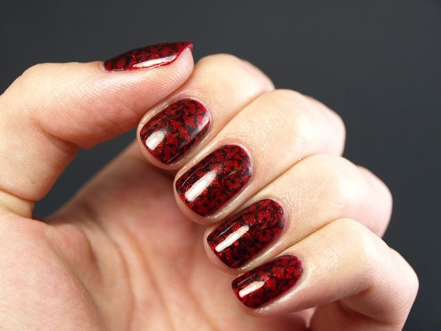 Day 15: Delicate, sparkly red with filigree stamping. #31DC2013