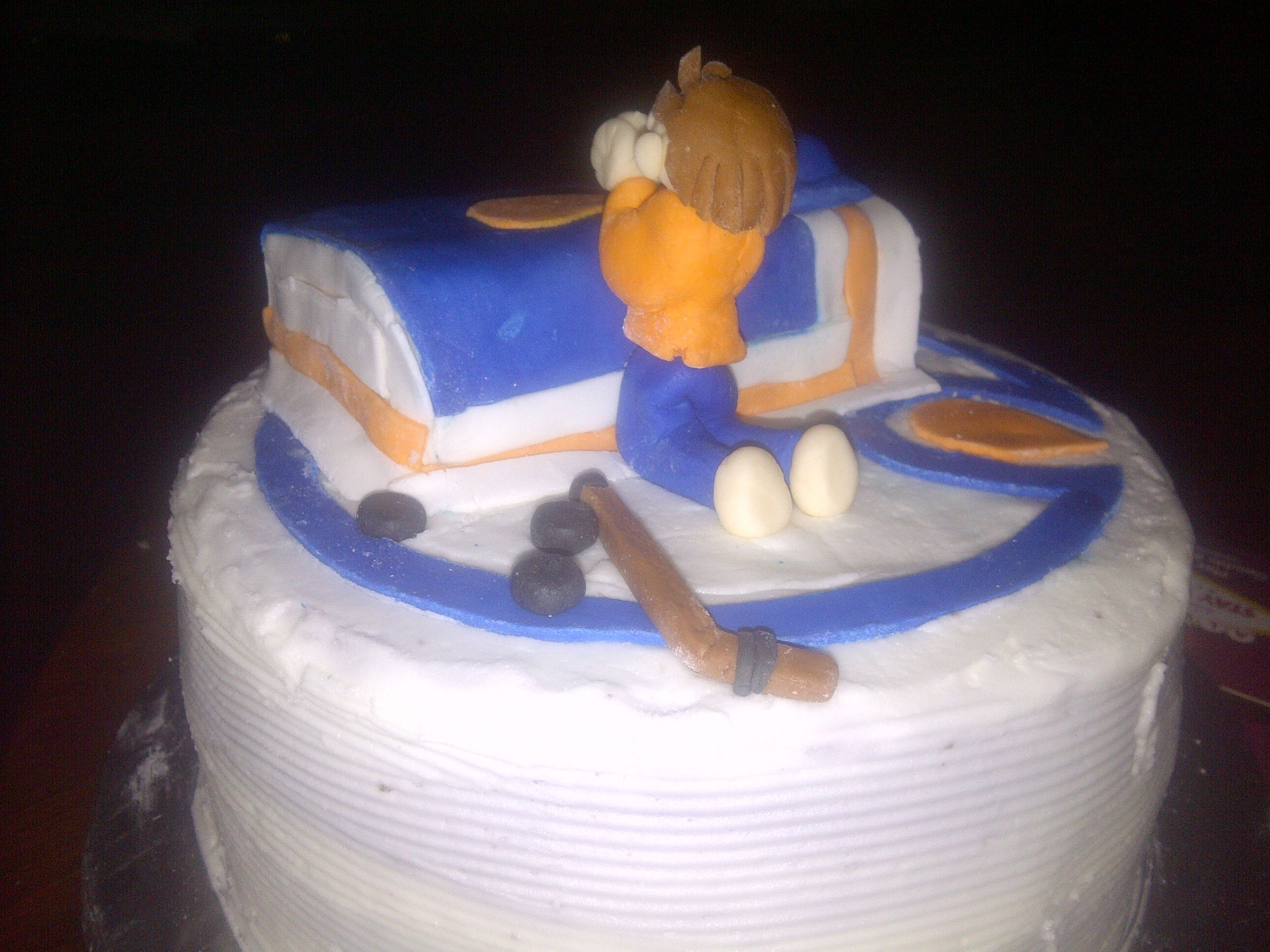 Edmonton Oiler Cake praying for hockey baaaaaack Go