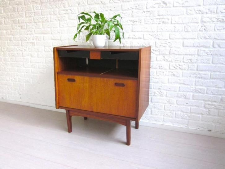 Retro vintage kast dressoir tv meubel jaren deens design