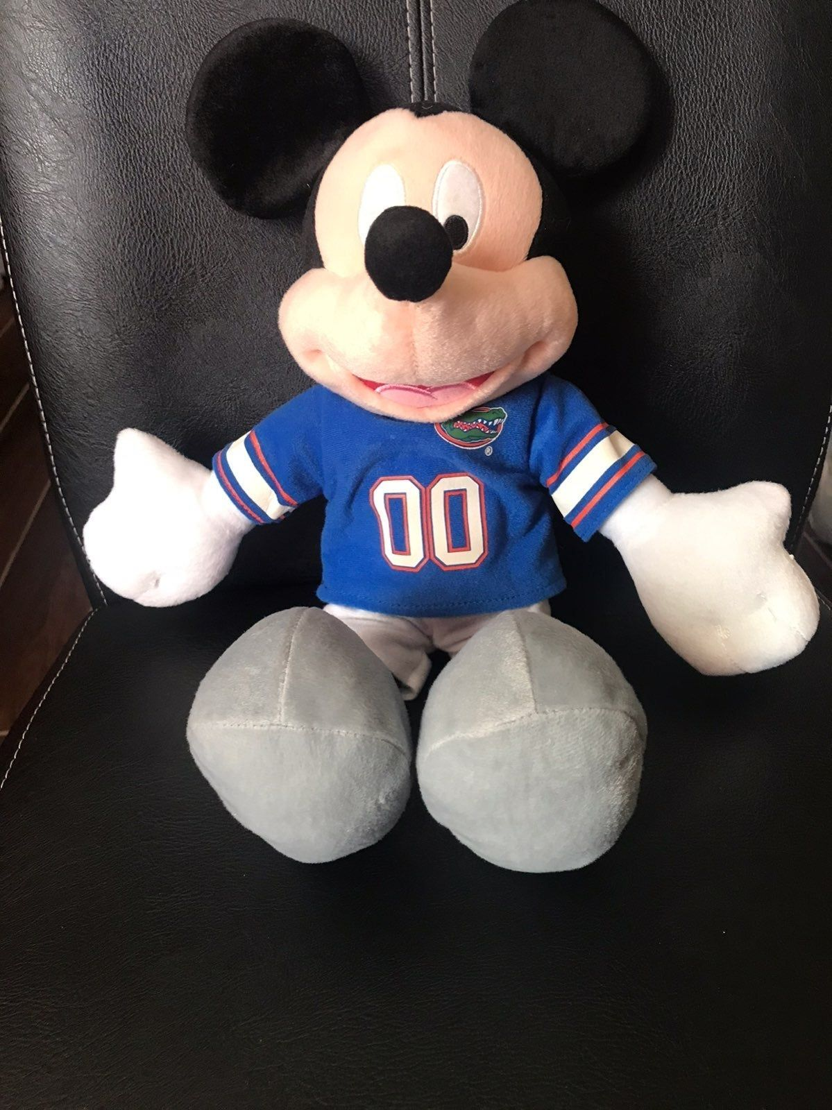 Predownload: Mickey Mouse Disney Like New Condition Smoke And Pet Free Home Kids Souvenir Toys Children Parenting Baby Babies Disney Stuffed Animals Mickey Mouse Mickey [ 1600 x 1199 Pixel ]