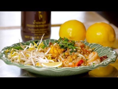 Pad thai recipe from award winning ying thai 2 restaurant youtube pad thai recipe from award winning ying thai 2 restaurant youtube forumfinder Gallery