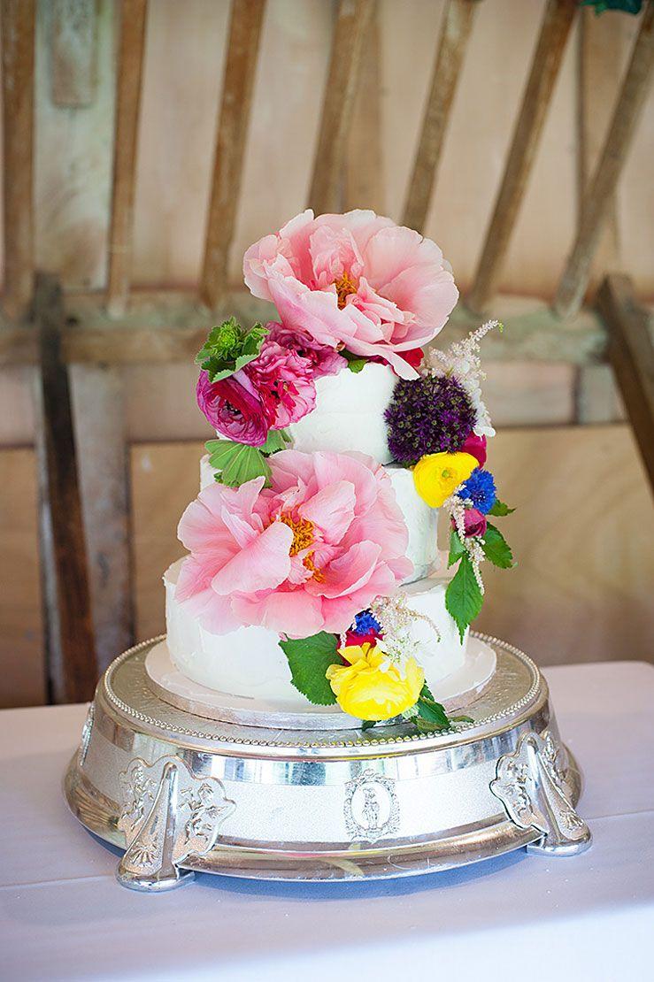 Wedding themes - Homemade flowers and pom poms | Pom pom and vintage ...