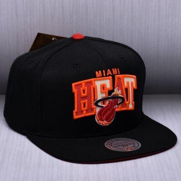 Mitchell   Ness NBA Miami Heat Reflective Tri Pop Arch Snapback Kepurė e9babce9d