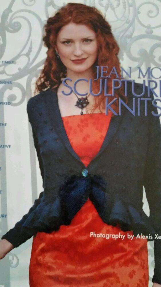 Sculptured Knits Book by Jean Moss 48 Modern 20th Century Designs 162 pages 1999 #XRXBooks