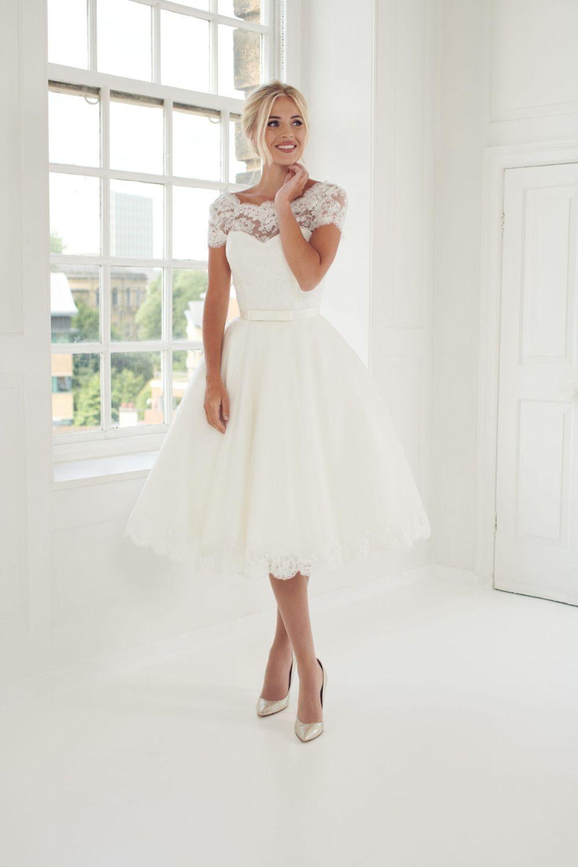Lace Wedding Dresses Romantic Lace Gowns Essense Of Australia Short Wedding Dress Vintage Short Ivory Wedding Dress Knee Length Wedding Dress [ 1500 x 1000 Pixel ]