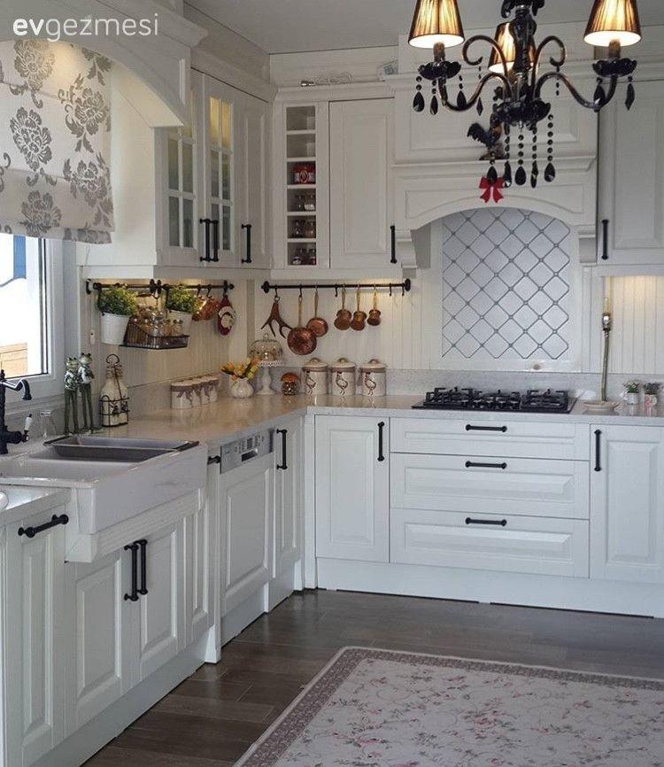 Sitemizde Yayinlanmis Evlerden 25 Harika Beyaz Mutfak Ev Gezmesi Beyaz Mutfaklar Luks Mutfaklar Ic Tasarim Mutfak