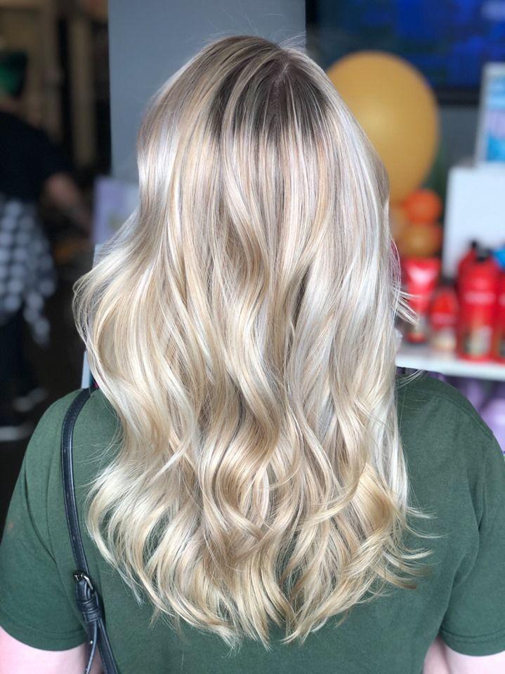 Luxury blonde by Stylist Alexandra! Reserve today (302