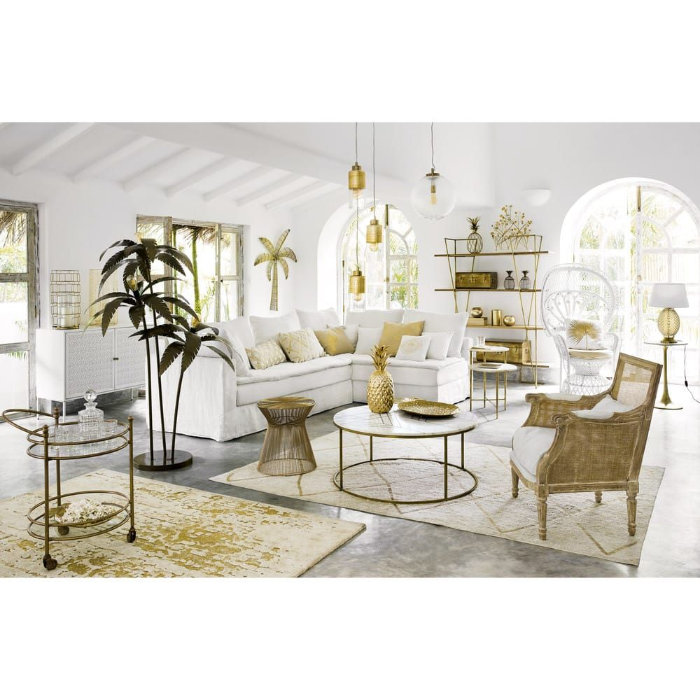 Table Basse Ronde En Marbre Blanc Et Fer Dore Deco Salon Blanc Mobilier De Salon Deco Salon