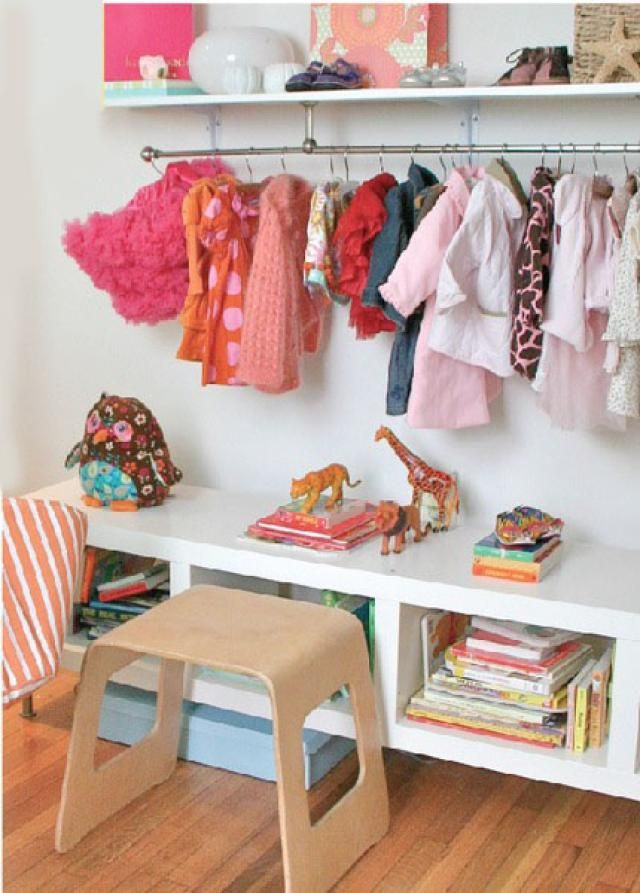 10 Solutions For Kids Rsquo Rooms Without Closets Under Shelf Rail