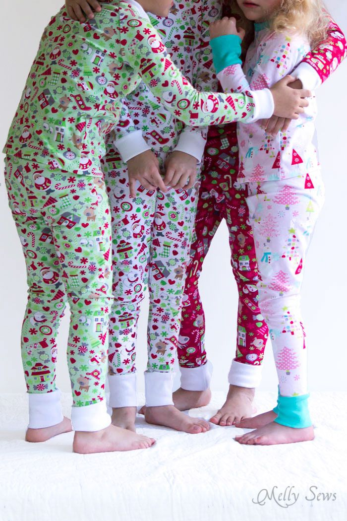 8dec03092 DIY Christmas Pajamas - Sew pajamas with this FREE pattern